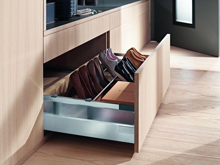 Sertarul blum cu design minimalist tandembox antaro - Configuratie dressing ...
